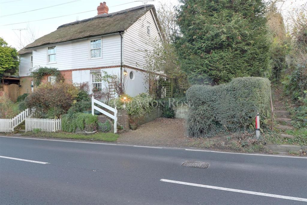 2 Bedrooms Semi Detached House for sale in Heathfield Road, Burwash Common, East Sussex. TN19