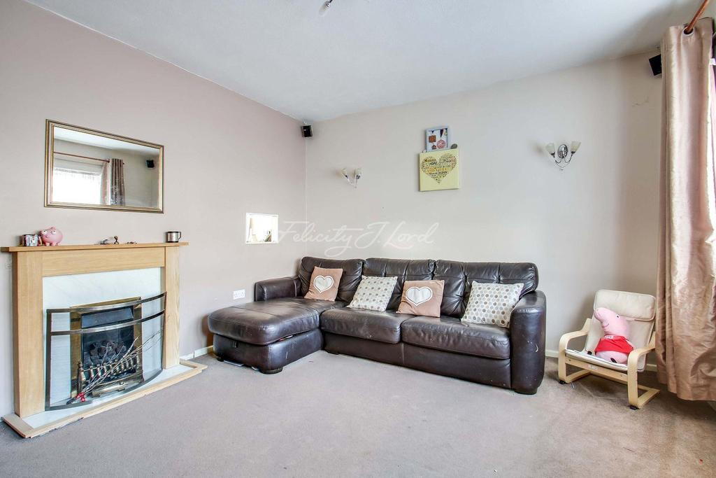 3 Bedrooms Terraced House for sale in Fairfax Gardens SE3