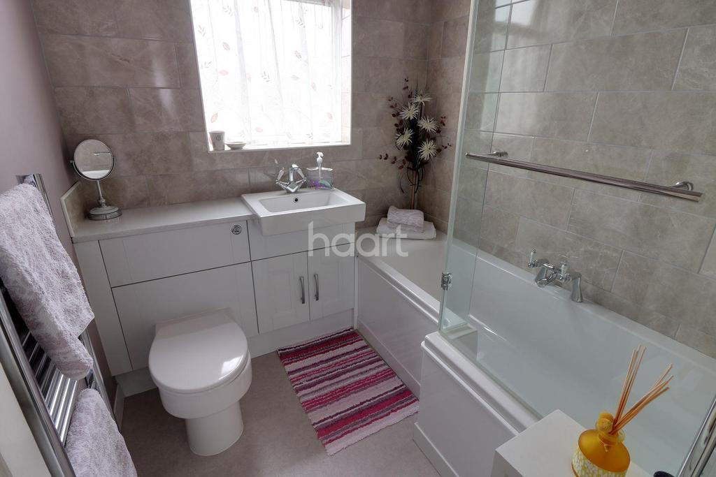 3 Bedrooms Terraced House for sale in Greystone Gardens, Barkingside