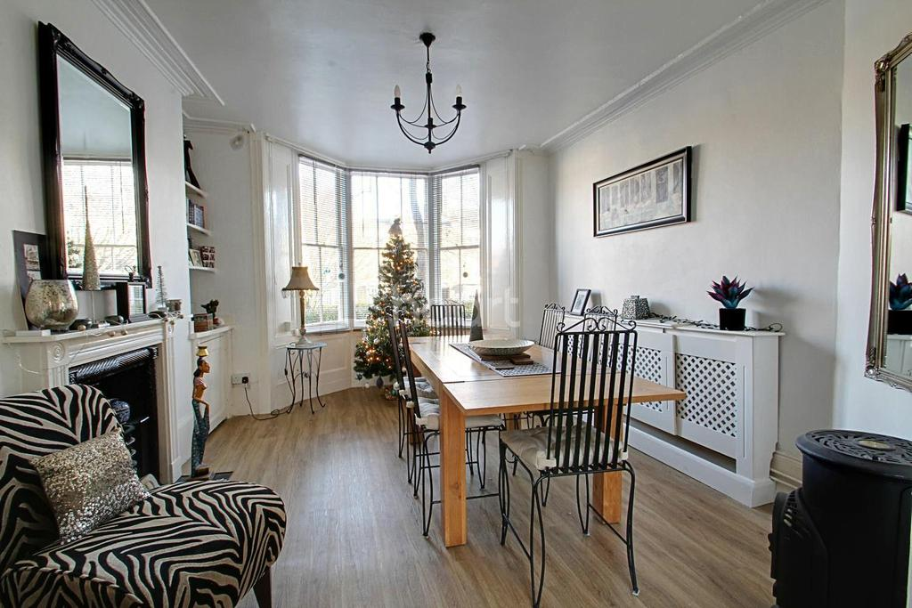 5 Bedrooms Terraced House for sale in Liverpool Lawn, Ramsgate, CT11