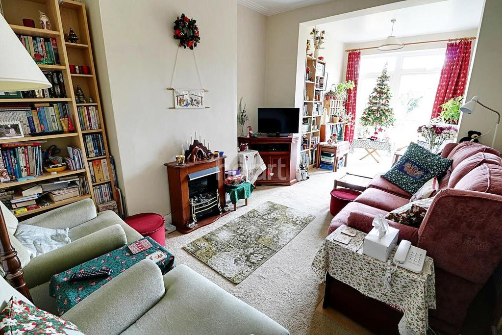 3 Bedrooms Terraced House for sale in Weardale Gardens, Enfield, EN2