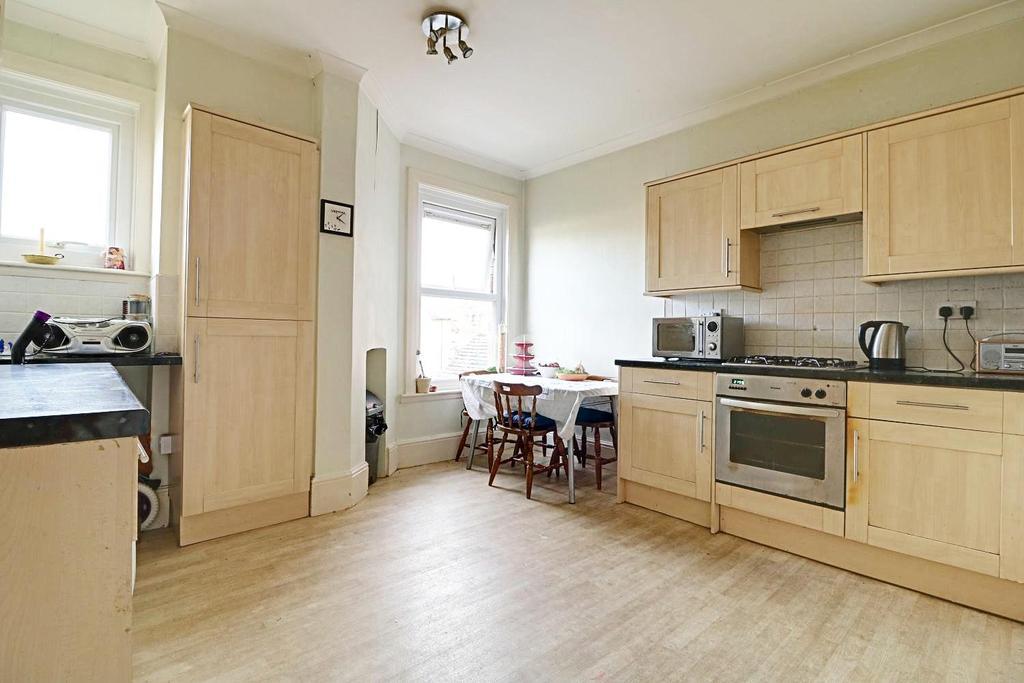 2 Bedrooms Maisonette Flat for sale in Laurel Villa, Vincent Lane