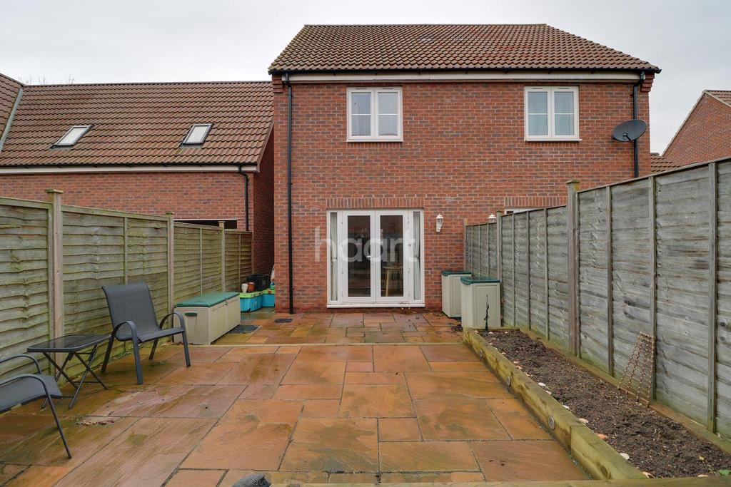 2 Bedrooms Semi Detached House for sale in Bluebell Walk, Witham St Hughs