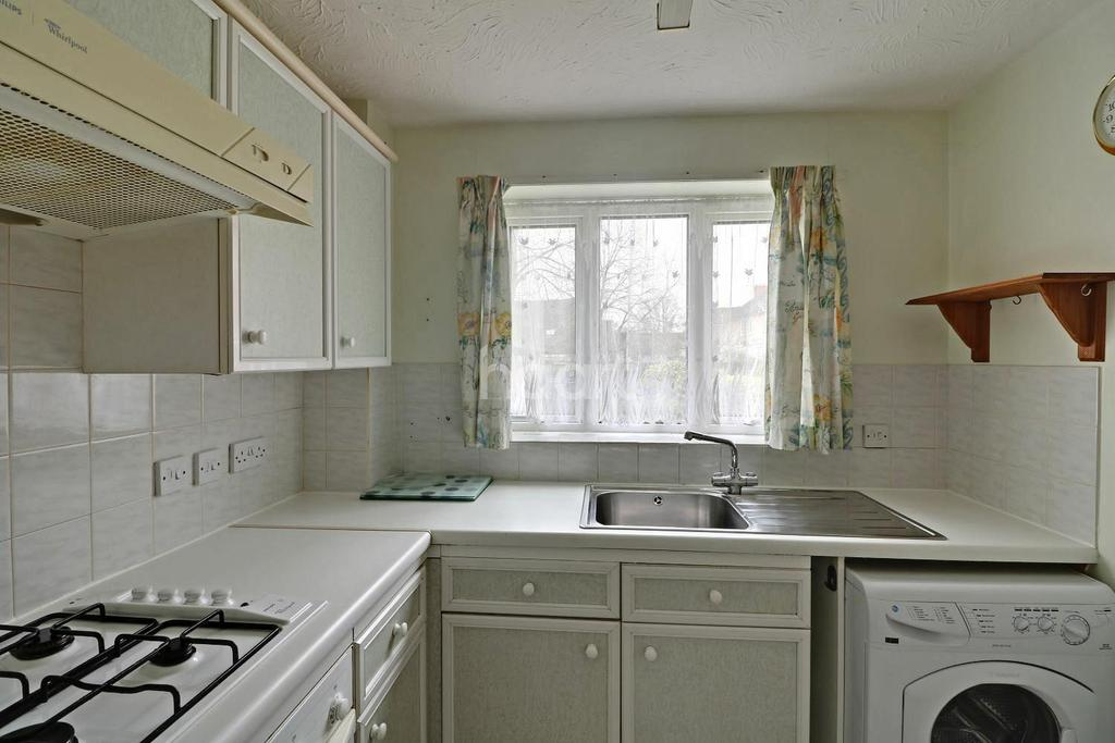 2 Bedrooms Flat for sale in Ground Lane