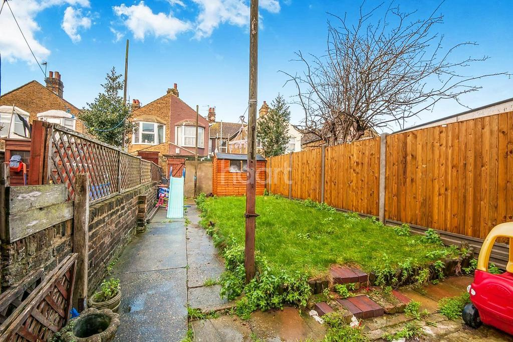 3 Bedrooms Terraced House for sale in Wellesley road, sheerness