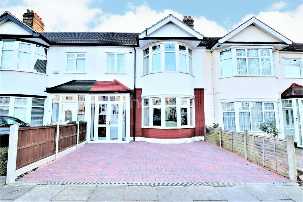 3 Bedrooms Terraced House for sale in Castle Drive, Redbridge, Ilford, Essex