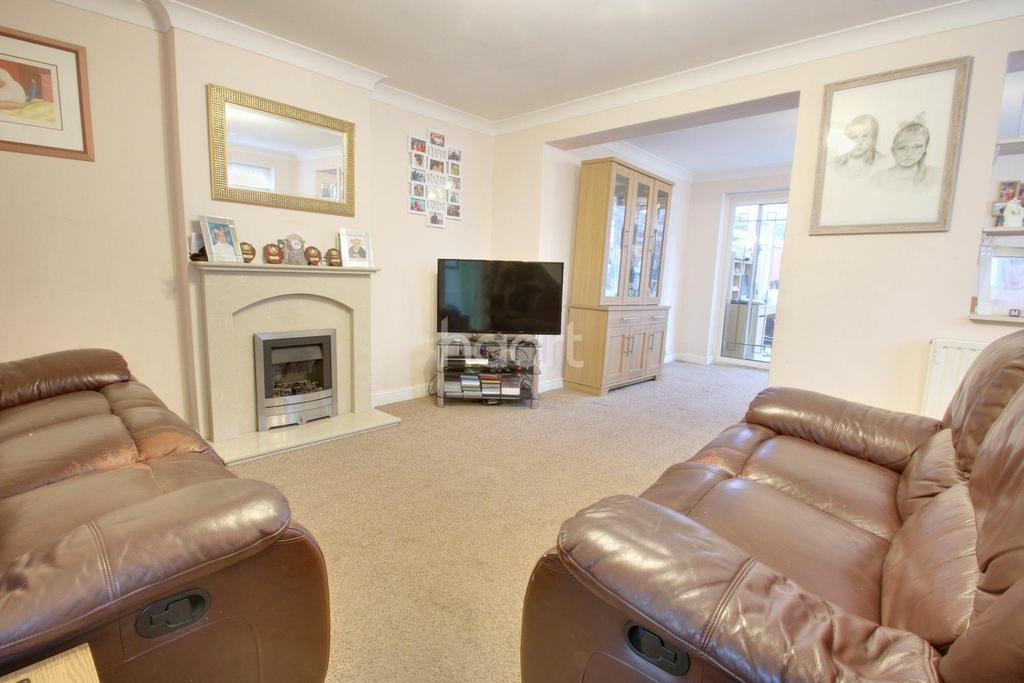 3 Bedrooms Semi Detached House for sale in Honeysuckle Way, Witham