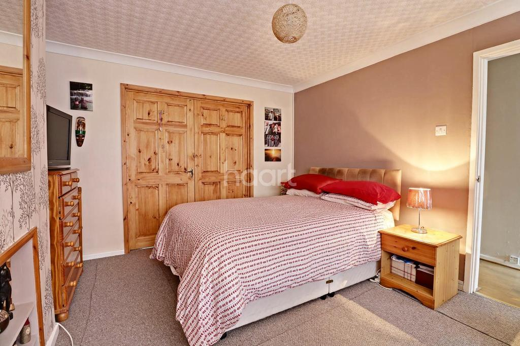 3 Bedrooms Bungalow for sale in Tudor close, Bromham