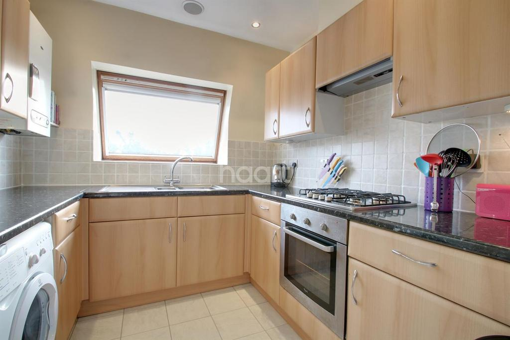 2 Bedrooms Flat for sale in Carshalton Road, Sutton, SM1