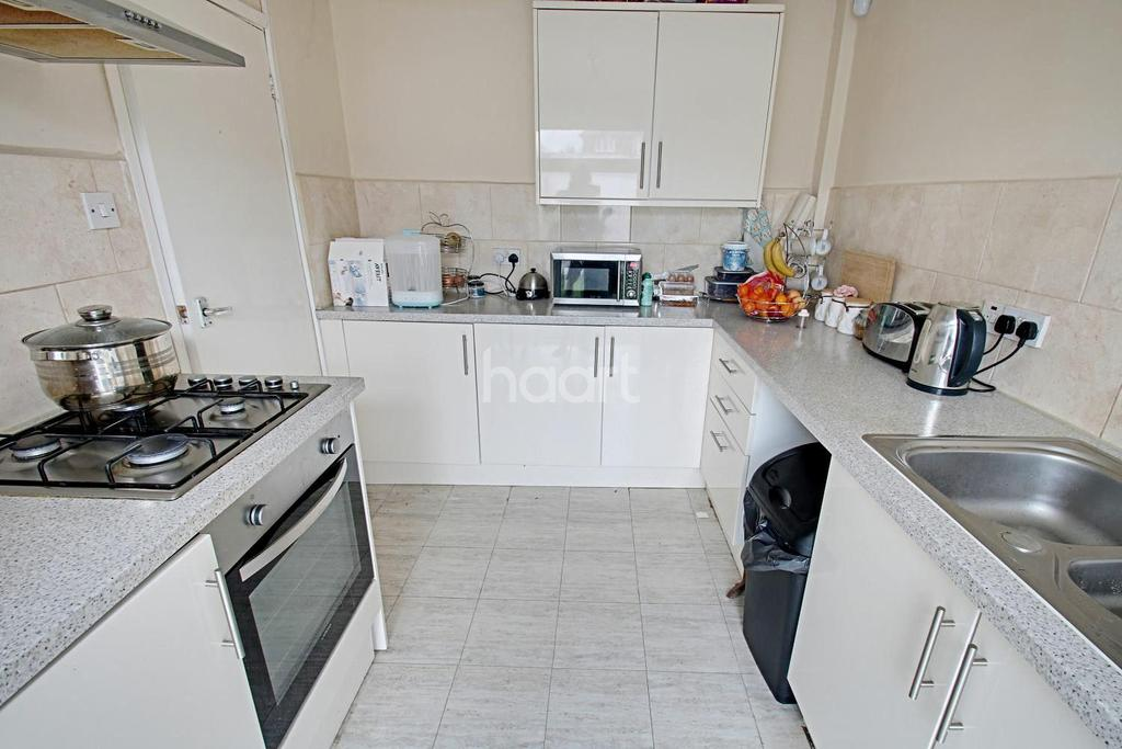 3 Bedrooms Terraced House for sale in Kingswood Road, West Bridgford, Nottinghamshire