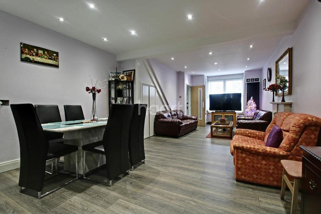 4 Bedrooms Terraced House for sale in Wentworth Road, Croydon, CR0
