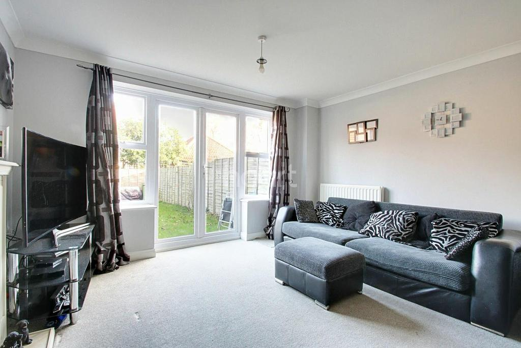 3 Bedrooms Terraced House for sale in Ravel Avenue, Witham