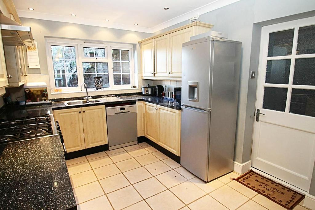 5 Bedrooms Detached House for sale in Mornington Close, Biggin Hill