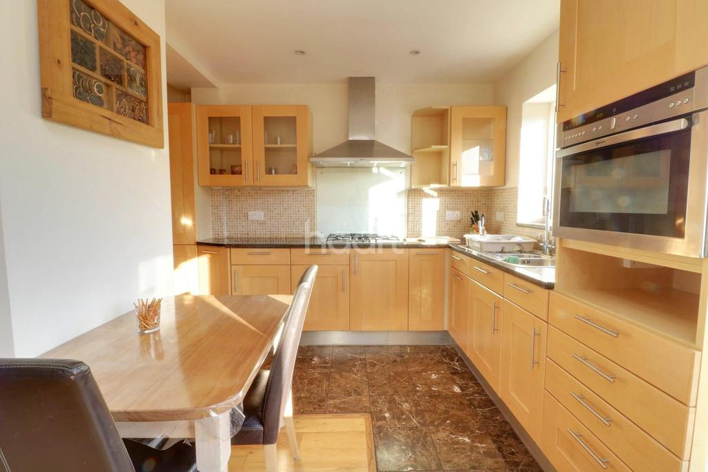 3 Bedrooms Terraced House for sale in Hayes