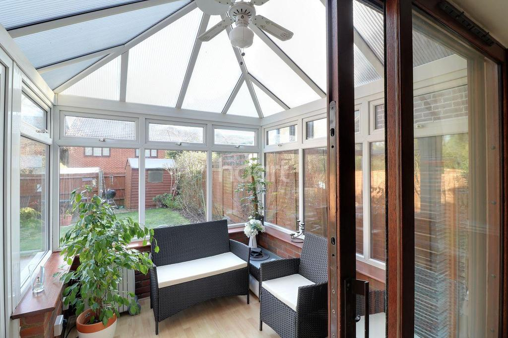 4 Bedrooms Detached House for sale in It Feels Like A Dream In Wigmore Downs