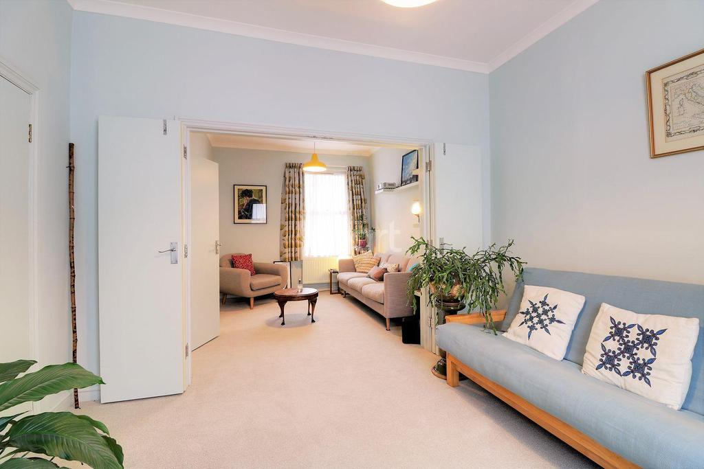 3 Bedrooms Terraced House for sale in Water Lane, London, E15