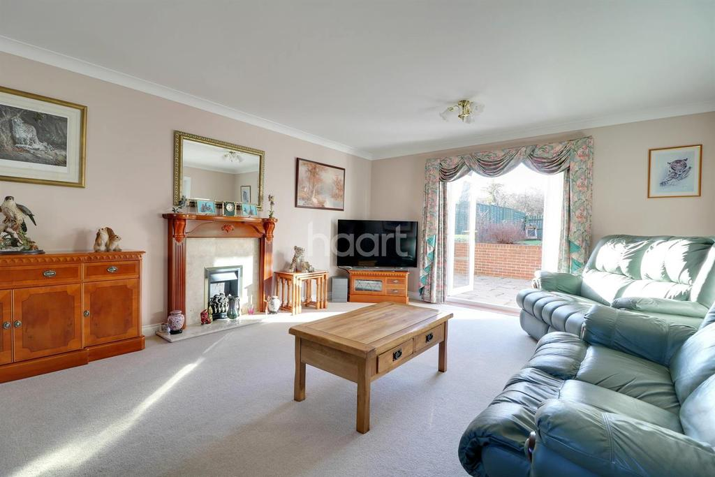 4 Bedrooms Detached House for sale in Henman Close, Swindon, Wiltshire