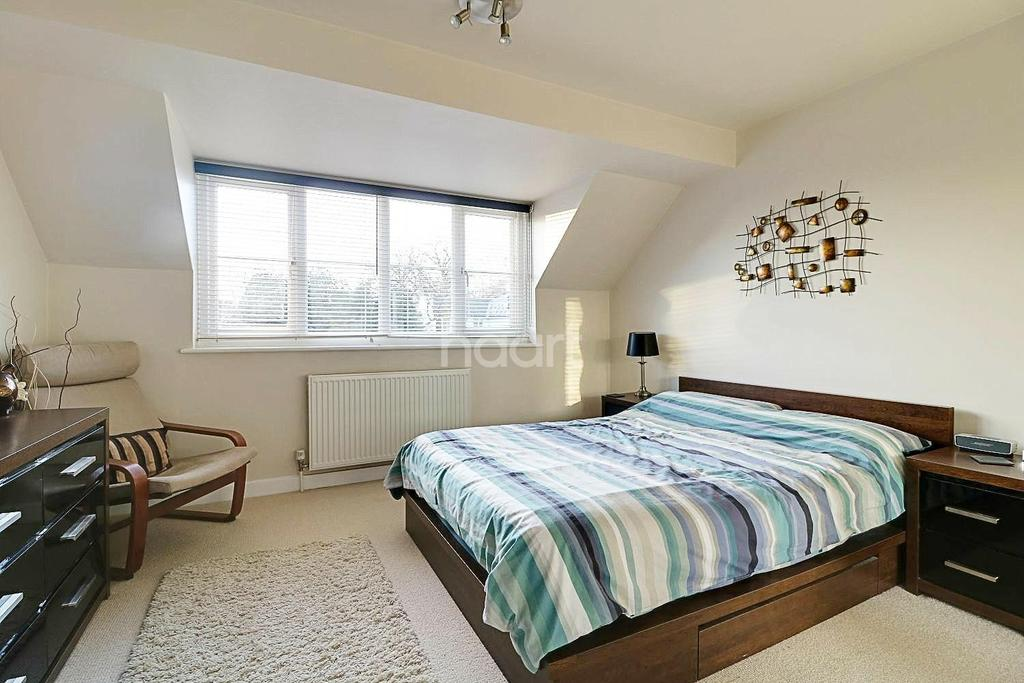 1 Bedroom Terraced House for sale in Leith Lea, Paddock Close, Beare Green