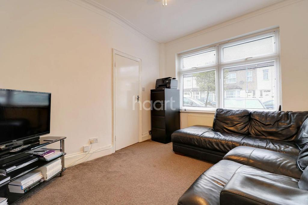 3 Bedrooms Terraced House for sale in Saxon Road, Ilford, Essx