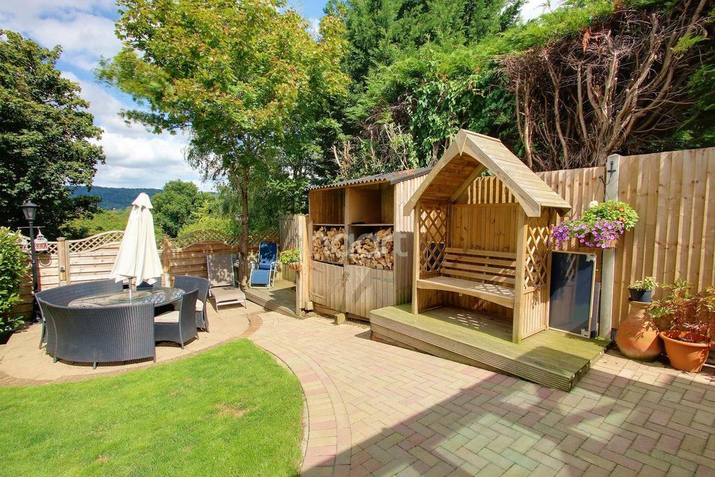 4 Bedrooms Detached House for sale in Raymer Road, Penenden Heath, Maidstone, ME14