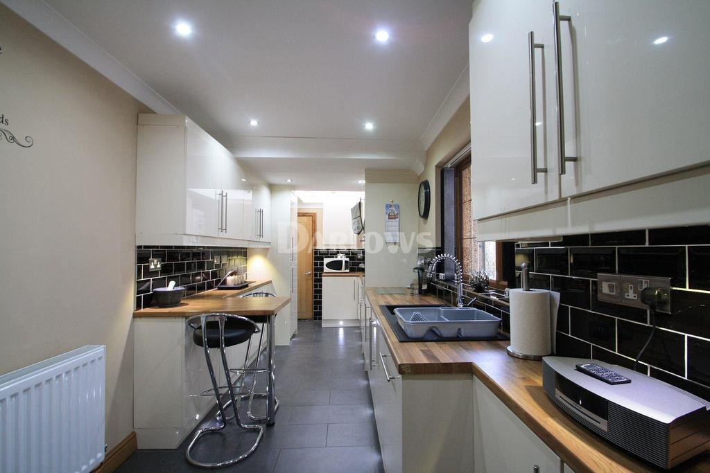 3 Bedrooms Terraced House for sale in Victoria Street, Blaina, Abertillery,Gwent