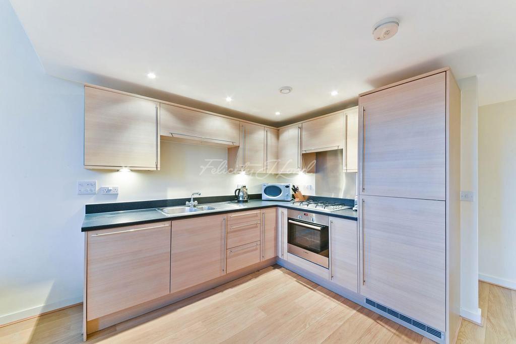 1 Bedroom Flat for sale in Chaplin House, Shepperton Road, N1