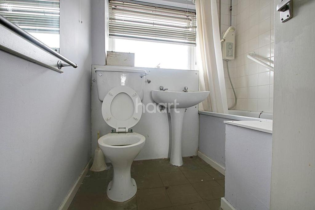 2 Bedrooms Flat for sale in Cotelands, Croydon, CR0
