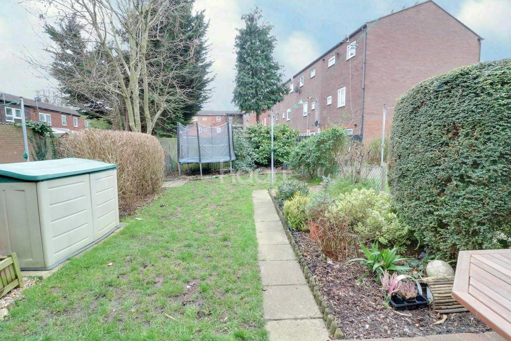 3 Bedrooms Terraced House for sale in North Hayes