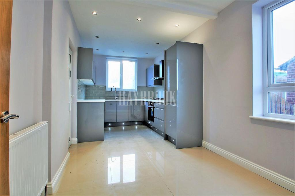 2 Bedrooms Semi Detached House for sale in Valentine Road, Shiregreen
