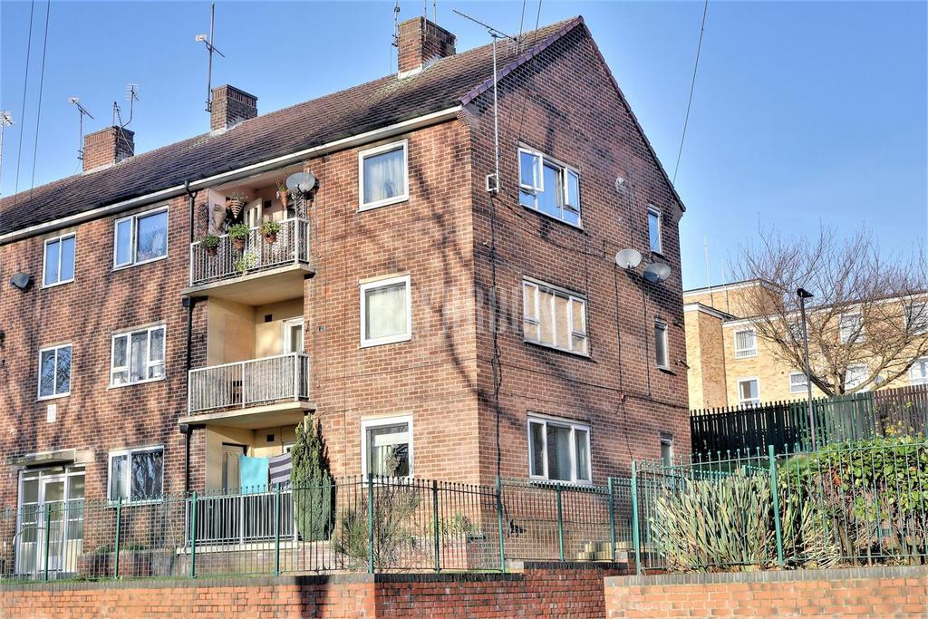 3 Bedrooms Flat for sale in School Road, High Green