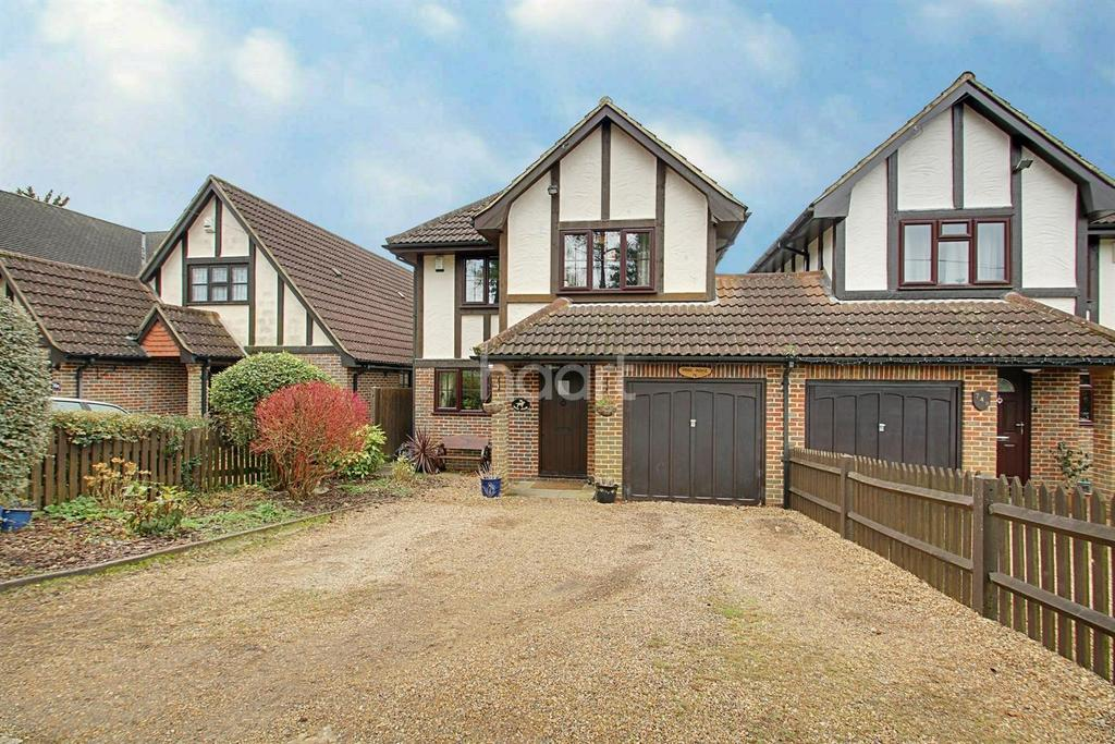 4 Bedrooms Detached House for sale in Sutherland Avenue, Biggin Hill