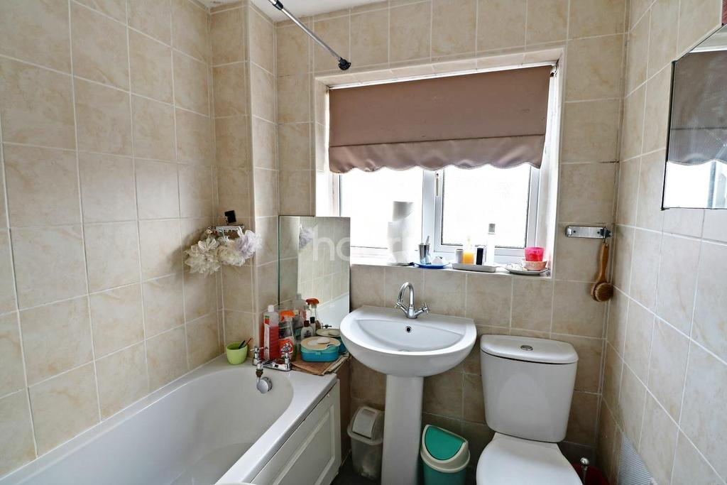 3 Bedrooms Detached House for sale in Cheviot Drive, Seller's Wood