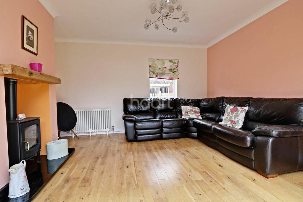 5 Bedrooms Detached House for sale in Main Road, Laughterton