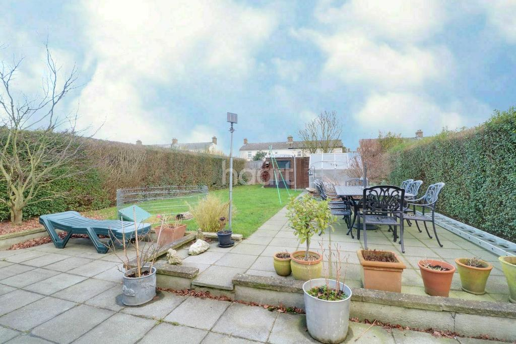 3 Bedrooms Semi Detached House for sale in Hayes Town