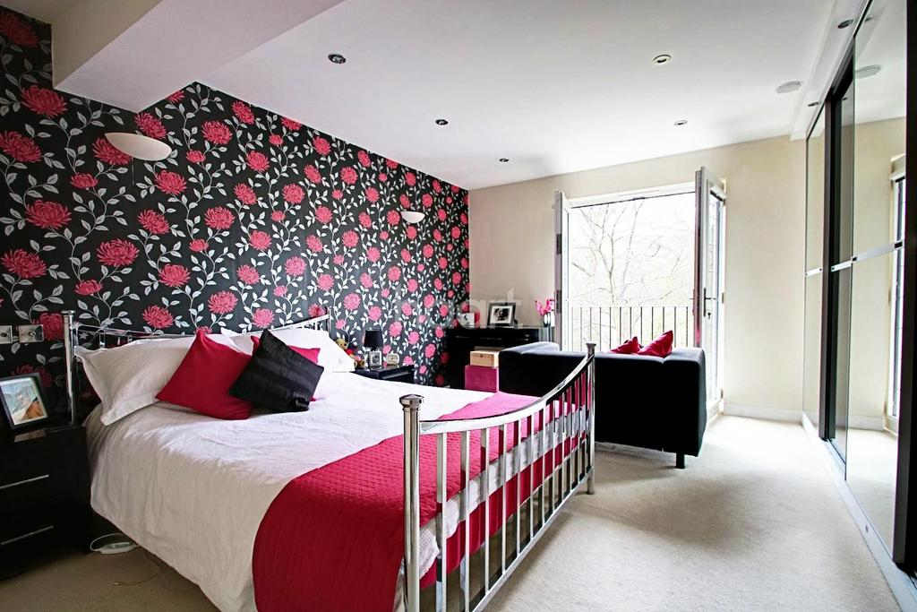 4 Bedrooms Detached House for sale in Greensands, Walderslade Woods