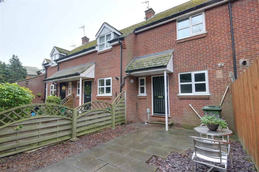 2 Bedrooms Terraced House for sale in Cedar Court, Turners Lane, North Ferriby
