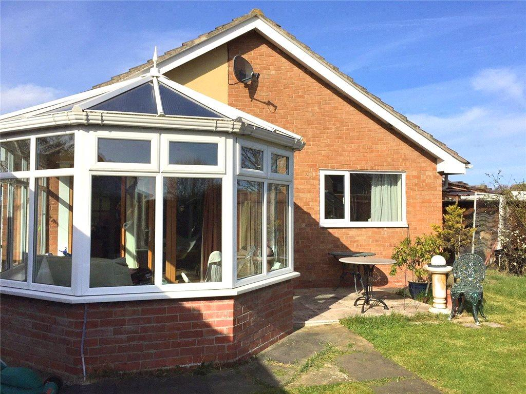 2 Bedrooms Detached Bungalow for sale in Hazel Slade, Eaglescliffe, Stockton-on-Tees