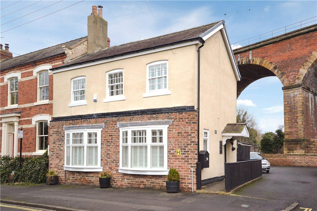 3 Bedrooms Semi Detached House for sale in West Street, Yarm, Stockton-On-Tees