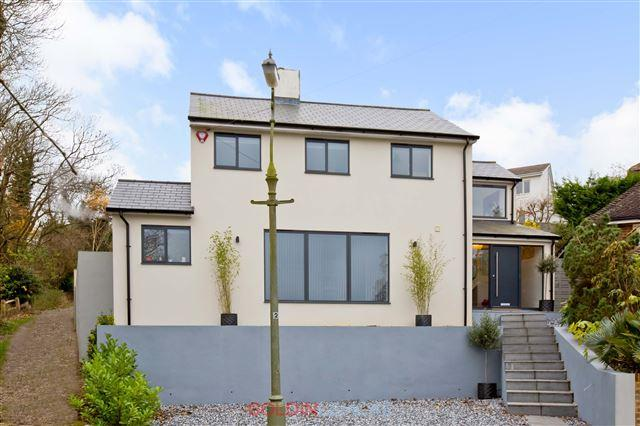4 Bedrooms Detached House for sale in Tongdean Rise, Brighton