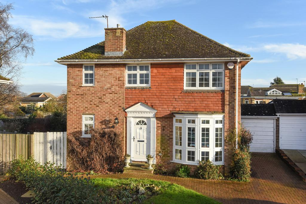 3 Bedrooms Detached House for sale in Coxheath, Maidstone