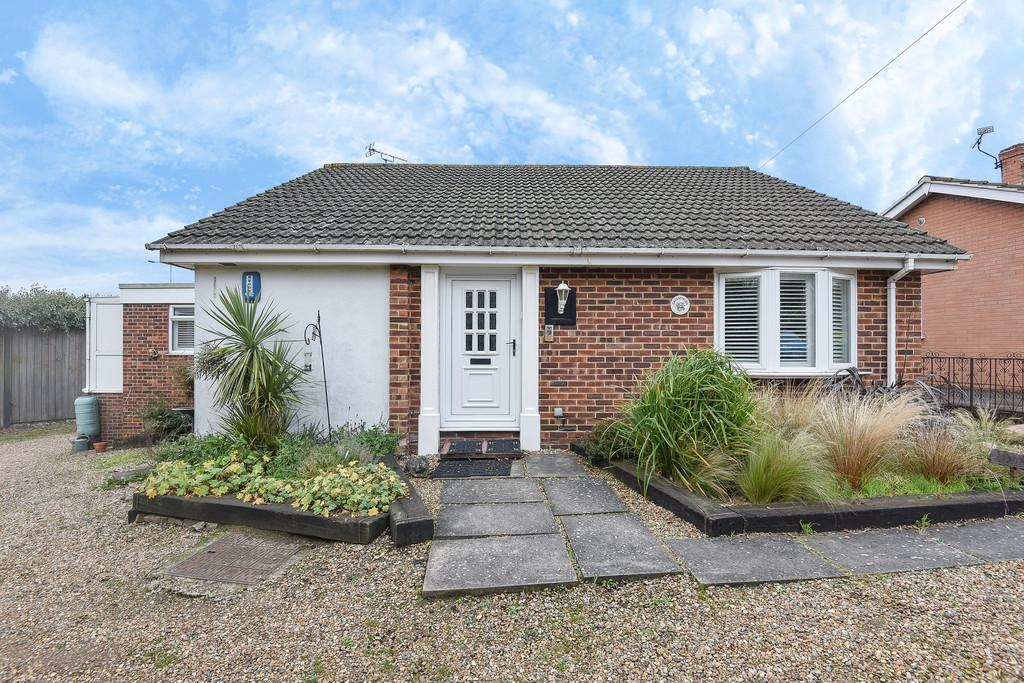 4 Bedrooms Detached Bungalow for sale in Maidstone, Kent
