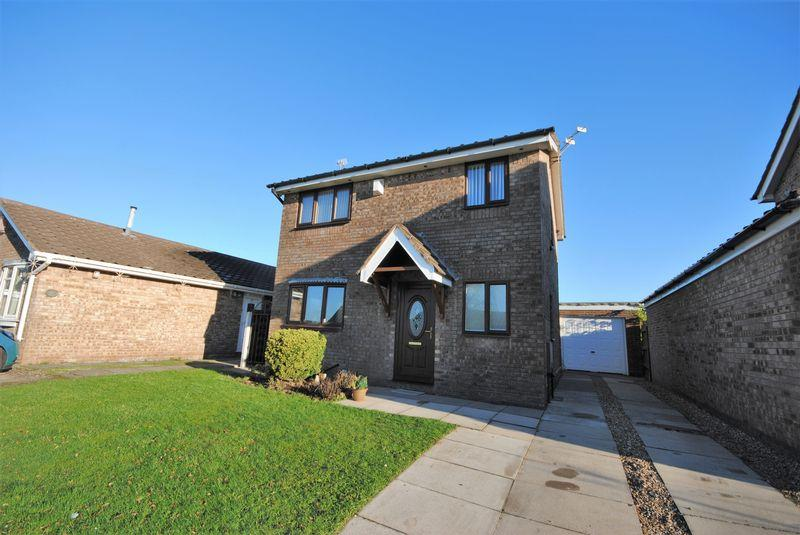 3 Bedrooms Detached House for sale in Binsey Close, Saughall Massie