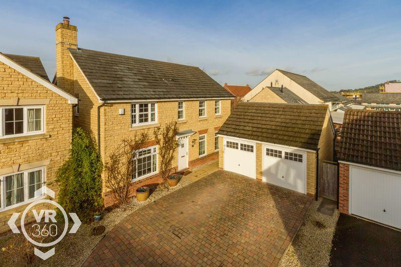 4 Bedrooms Detached House for sale in Sovereign Fields, Mickleton