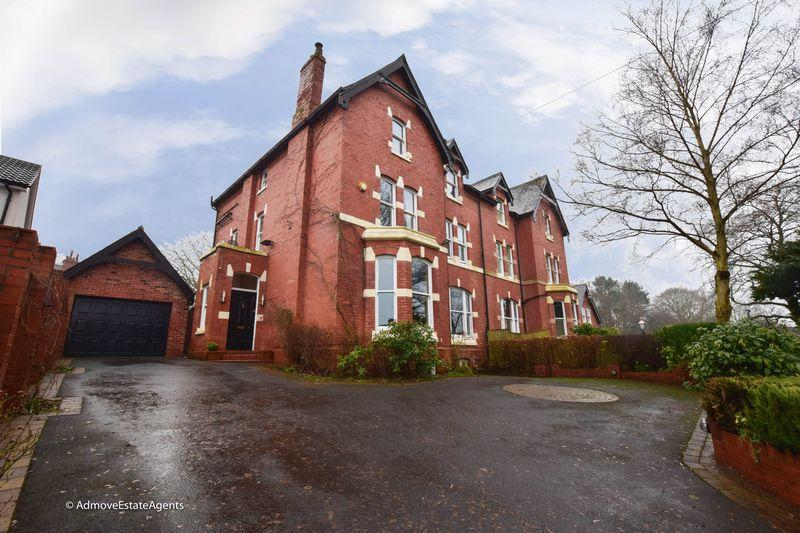 6 Bedrooms Semi Detached House for sale in Brook Road, Lymm