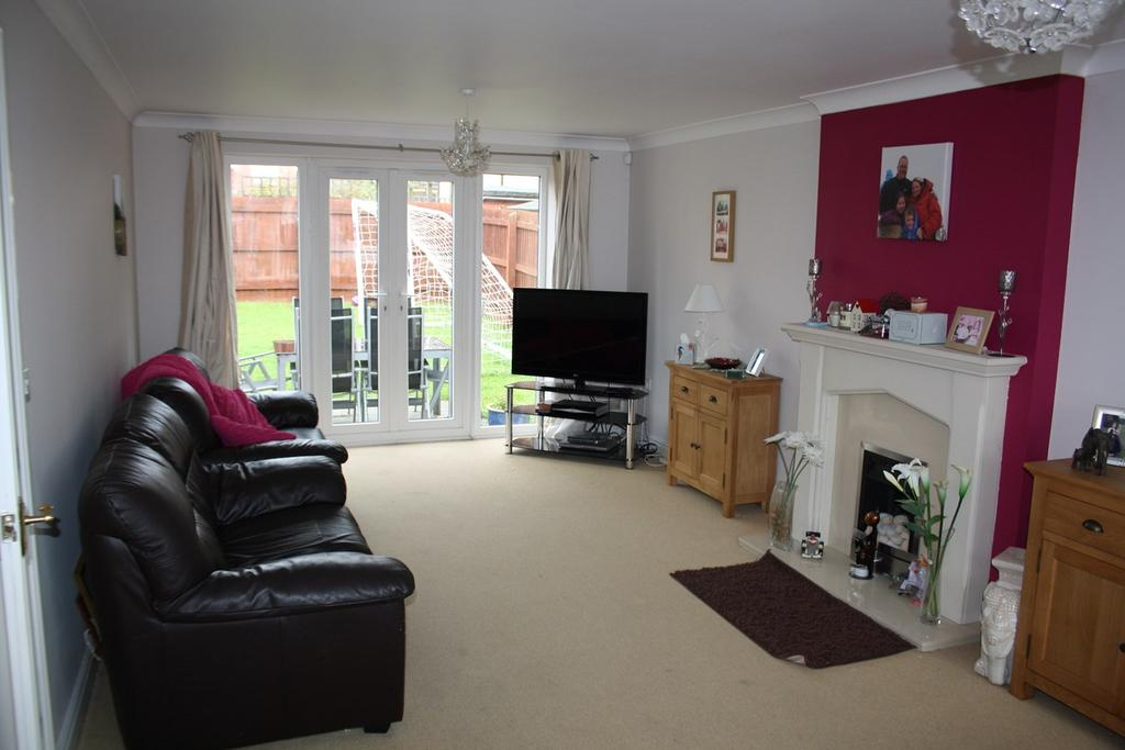 4 Bedrooms Detached House for sale in Rosemary Gardens, Bourne, PE10