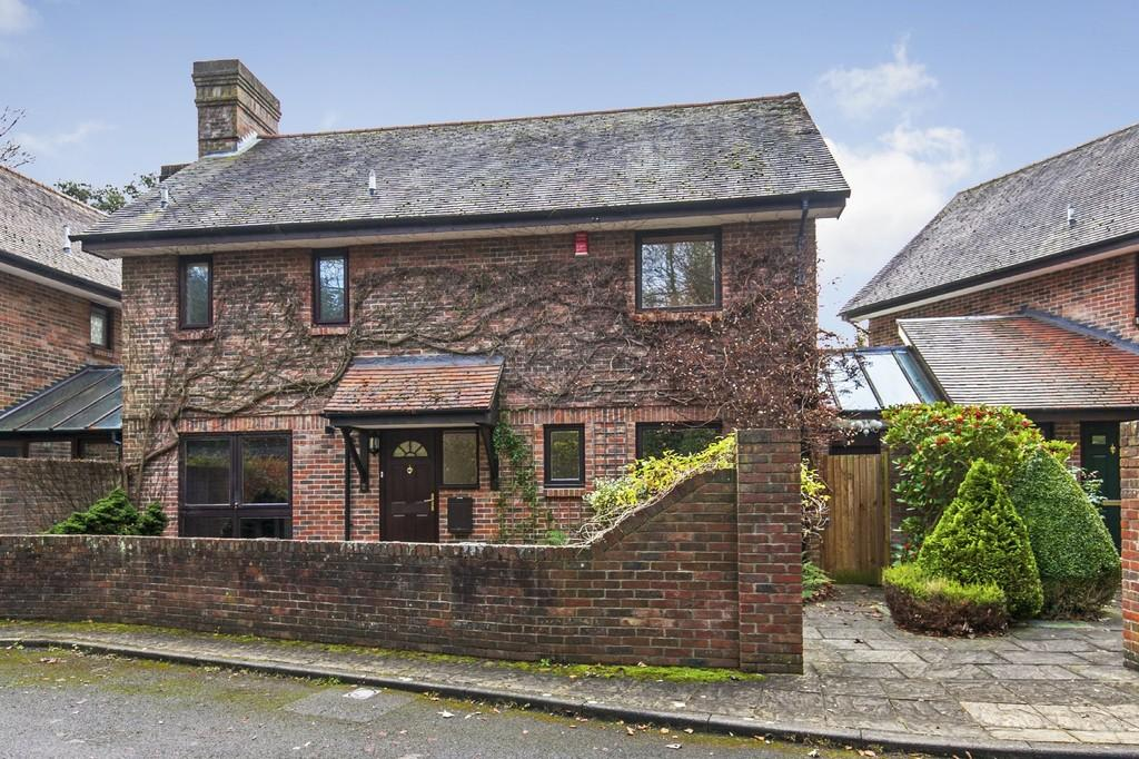 4 Bedrooms Detached House for sale in Kerrfield Mews, Winchester, SO22