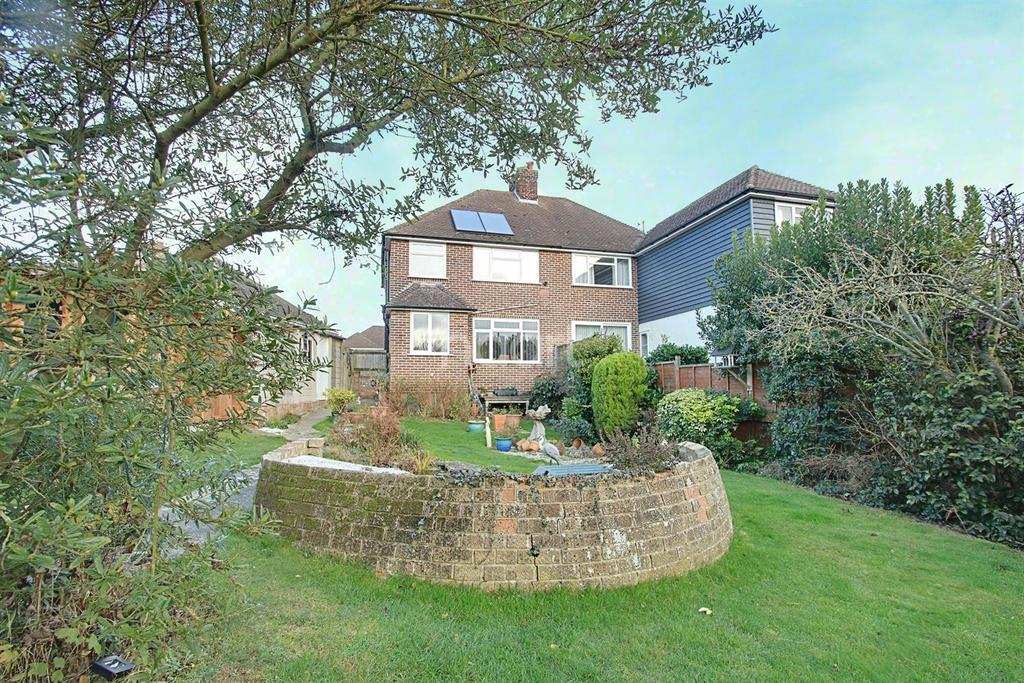 3 Bedrooms Semi Detached House for sale in Vauxhall drive, Braintree