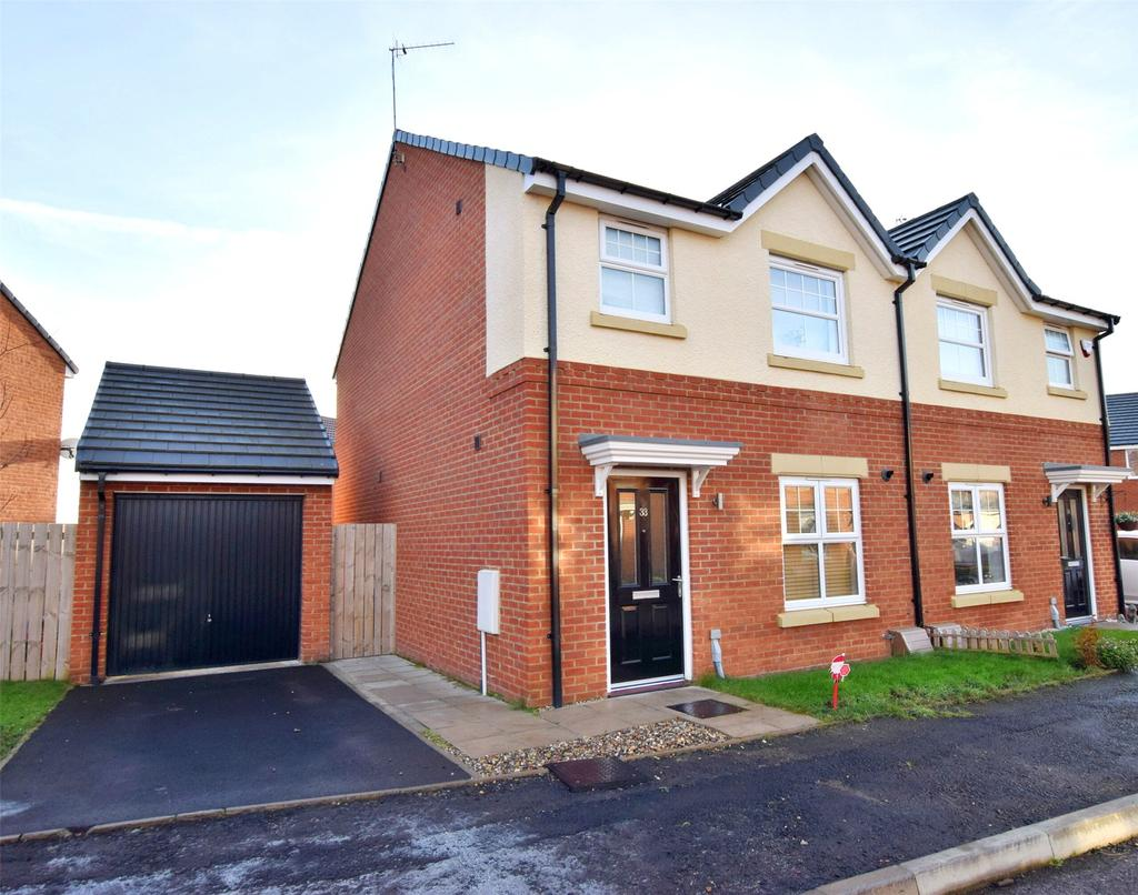 3 Bedrooms Semi Detached House for sale in Hebburn