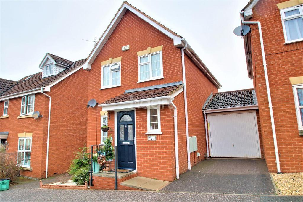 3 Bedrooms Detached House for sale in Stutts End, Cotford St Luke, Taunton