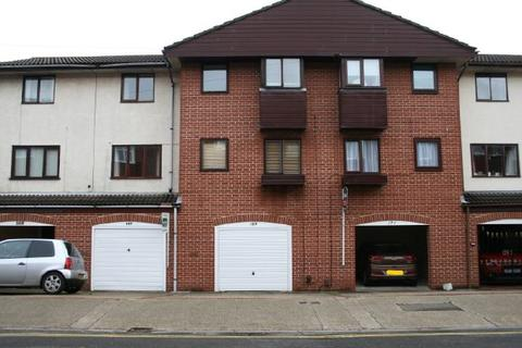 3 bedroom house to rent - SOUTHSEA - HASLEMERE ROAD - UNFURN